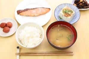 夏バテ食材味噌汁