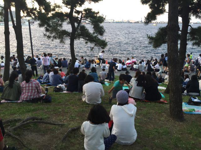 横浜開港祭花火大会味の素カップヌードルミュージアム